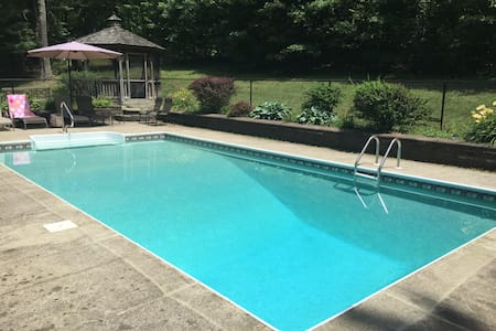 Renovated Vacation Home w/Heated Saltwater Pool - Copake - Haus