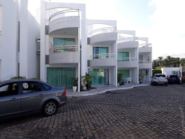 Casa em cond fechado Miragem/Vilas