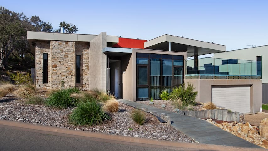 Moonah Retreat - Stunning house on Moonah Links!