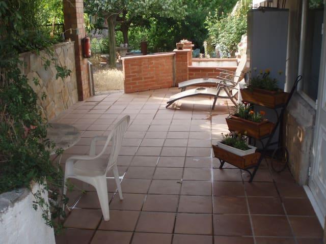 En el parque natural de Montserrat - Vacarissas - Casa