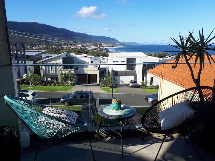 Sandon Point Coastal Abode - Stunning Ocean Views