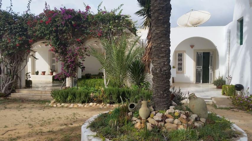 Maison traditionnelle Djerbienne - Dar Ben Tanfous - Djerba Midun - House