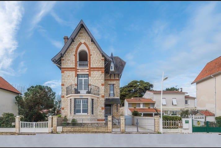 Villa face océan