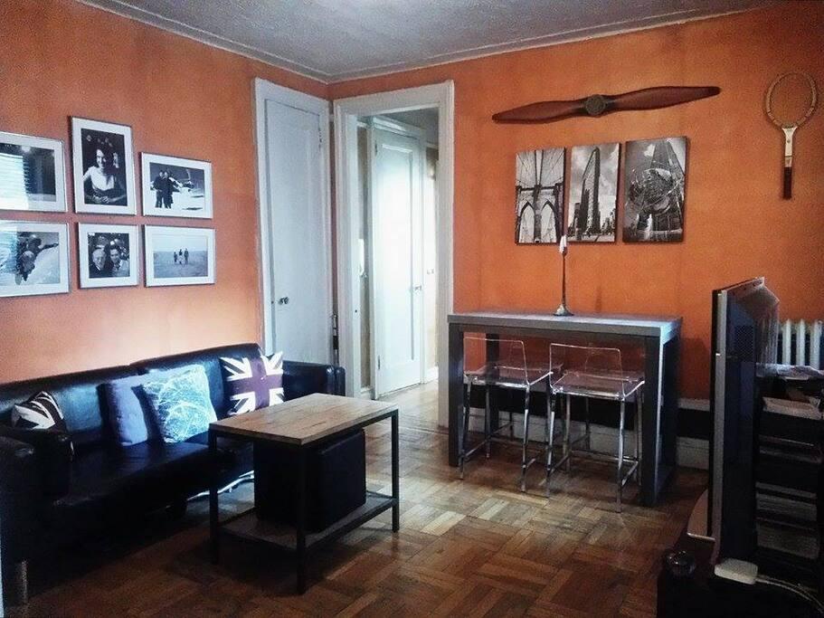 beautiful 1 bedroom apt appartements louer new york new york tats unis. Black Bedroom Furniture Sets. Home Design Ideas