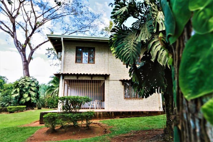 Costa Rica Farm House In Naranjito