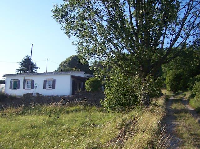 Petite maison dans les Gorges