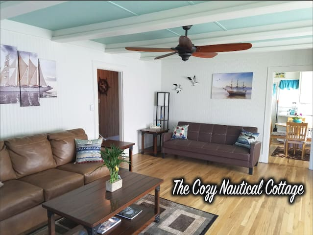 Cozy Nautical Cottage By Downtown Port Angeles WA!