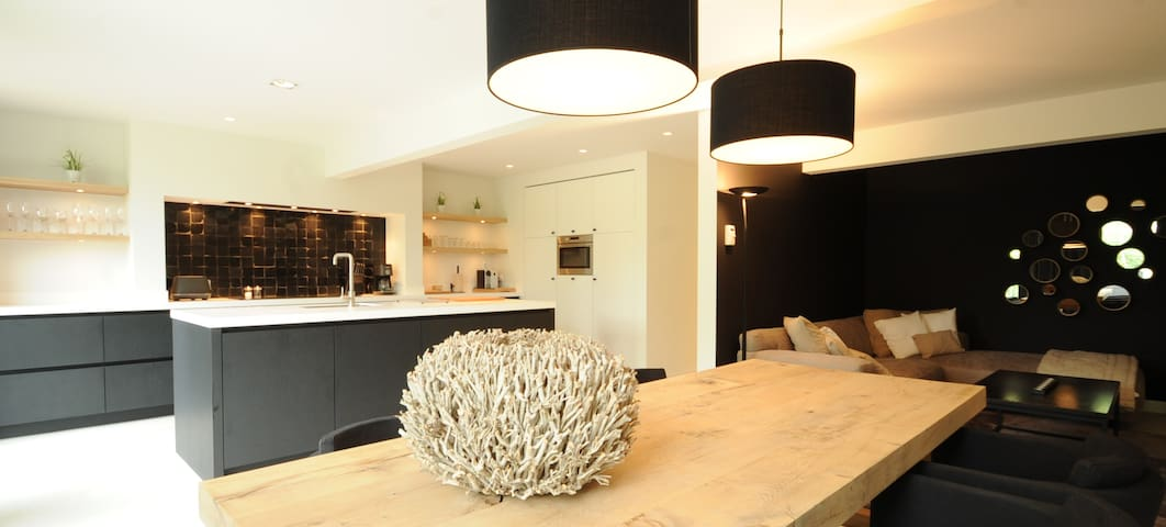 Luxury GuestHouse near center of Hasselt - Hasselt - Casa