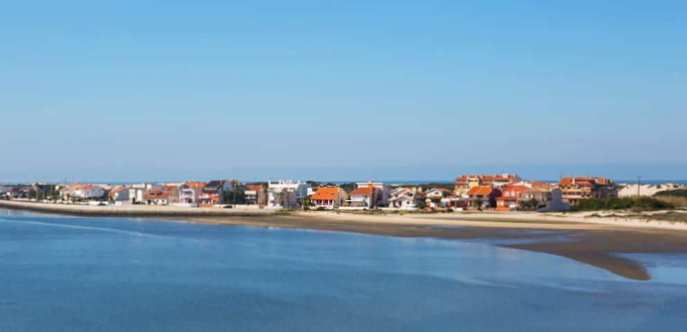 Vivenda na Praia da Costa Nova, vista sobre a ria - Aveiro District - Huis