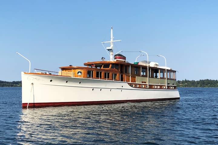 78' Historic Yacht! Fully Restored, Sleeps 8!