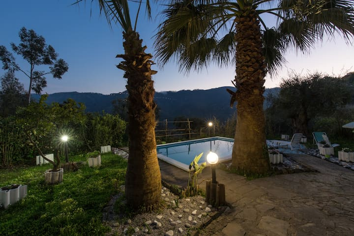Holiday Home with Pool near the Beach - Sant'Angelo di Brolo - Casa