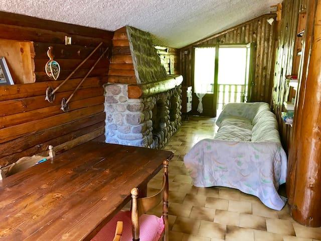 Caratteristico e bell'appartamento di montagna