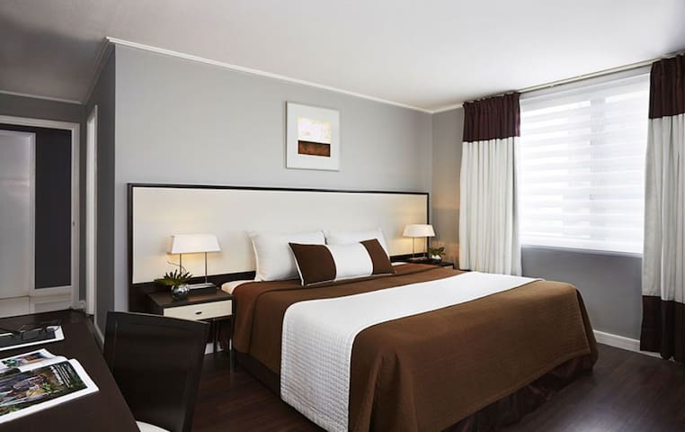 Astoria Plaza Hotel Accommodation