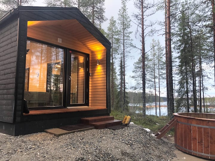 Luxury cabin with bathtub in the heart of Hossa