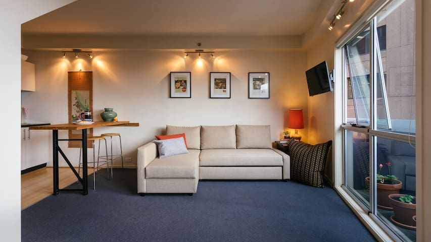 Travellers Retreat in the heart of the City