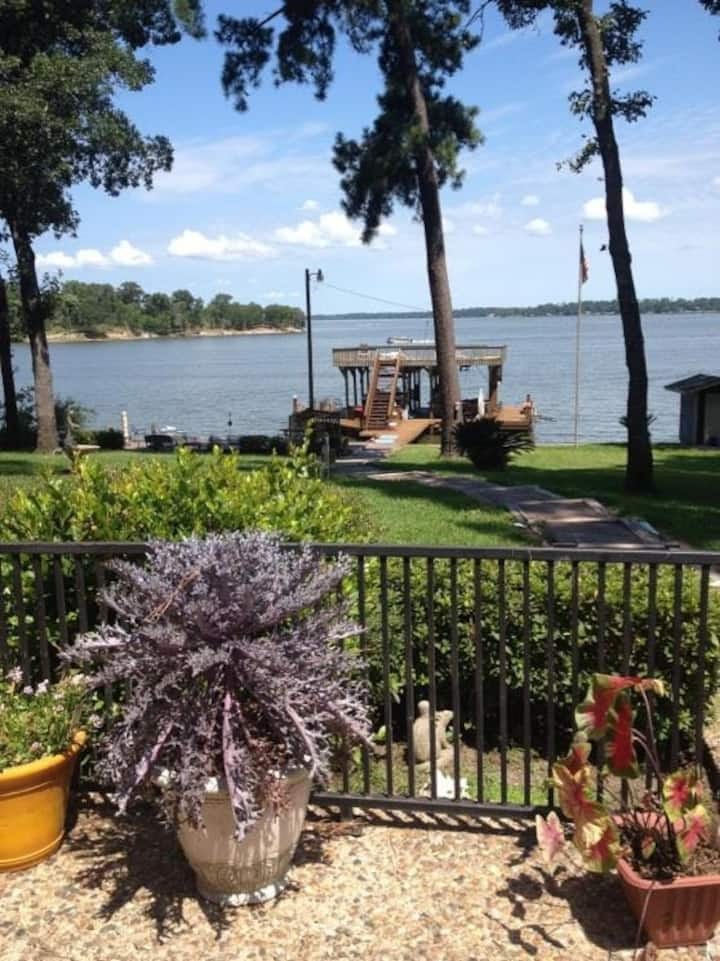Hillwood Haven - Waterfront - Perfect for Fishing!