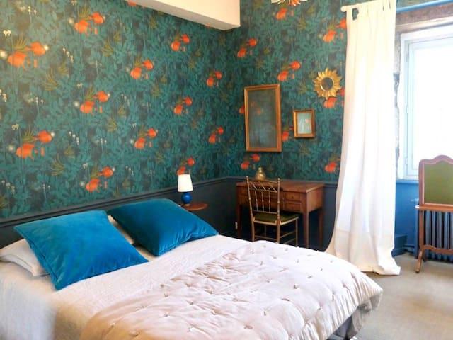 La Chambre Bleue du Manoir du Rumorvan (XVII ème)