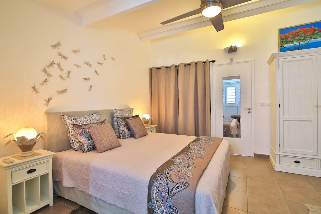 climatisation et ventilateur de plafond