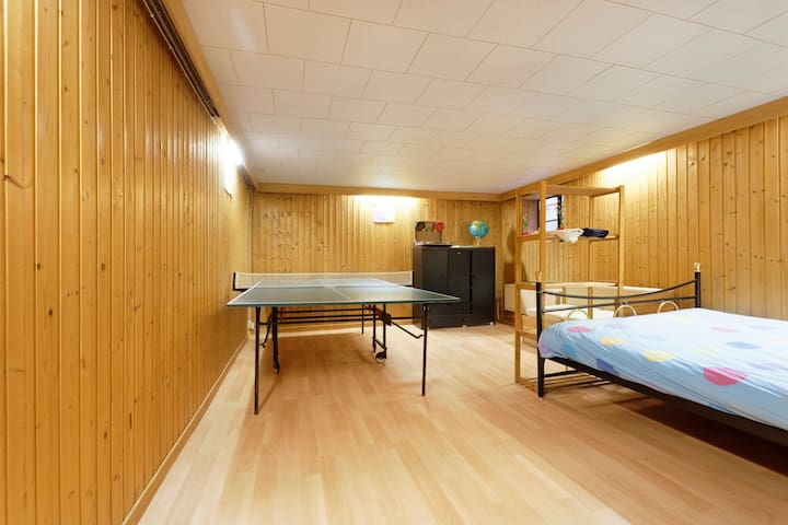 Spacious room near Findel/Kirchberg - Senningerberg