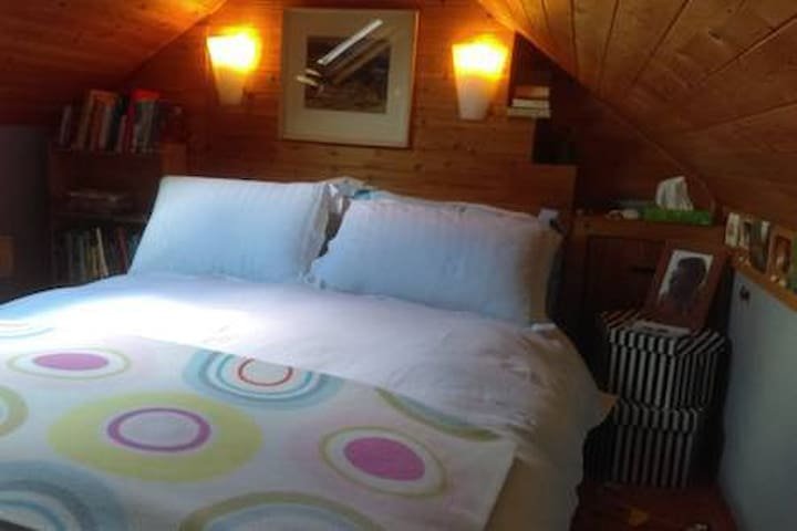 Double Attic Room in a quiet family home