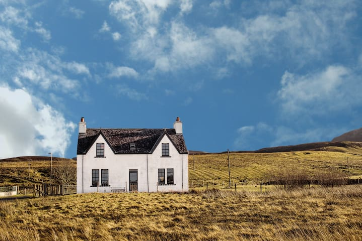Contemporary Scottish Cottage - Kilmuir - Rumah