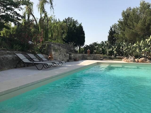 Ancient Masseria with private pool near Lecce