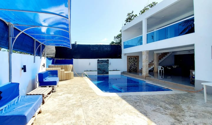 Pool house of the daddy