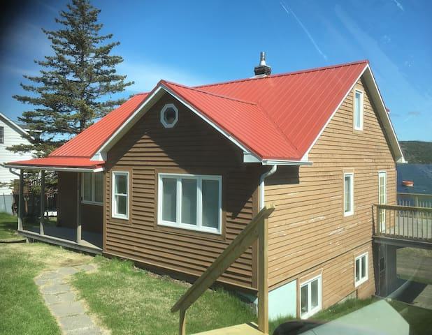 Bay House, Lewisporte