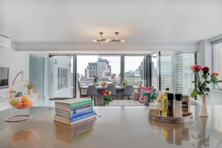 Luxurious  Penthouse with Panoramic Views on Bree