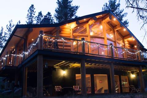 Lovely Log Cabin near Fernie, B.C.
