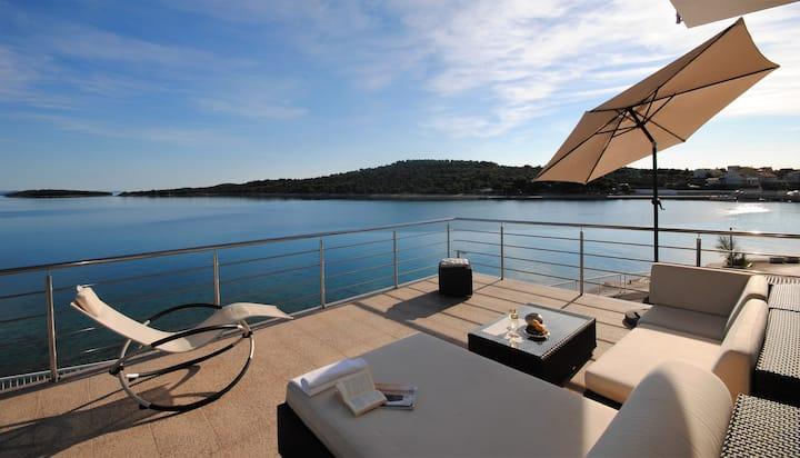 Luxury island beach apartment with sea view