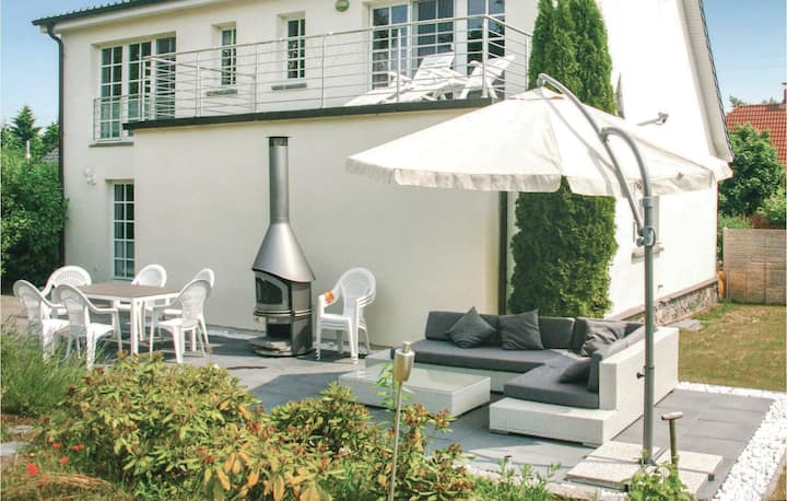 Holiday cottage with 3 bedrooms on 160m² in BeckerwitzHohenkirchen