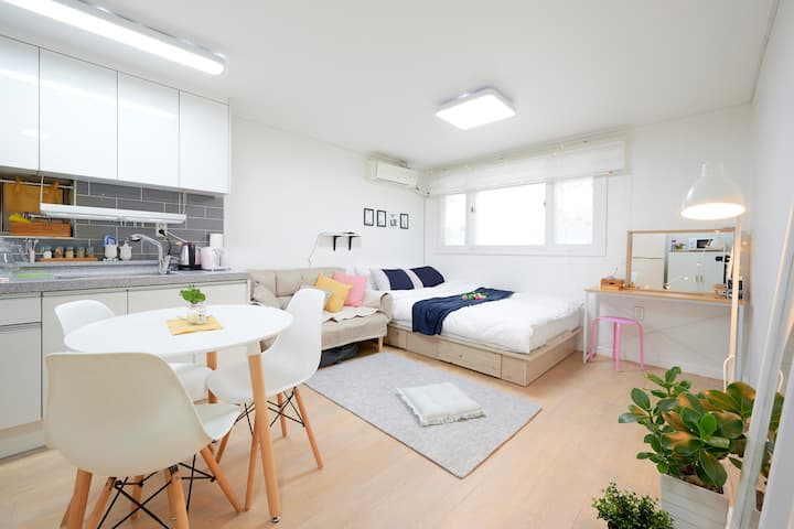 Jenny house (OPEN SALE! clean&cozy  홍대입구6번출구2분)