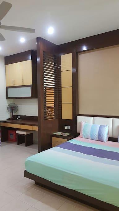 1 st floor master bedroom
