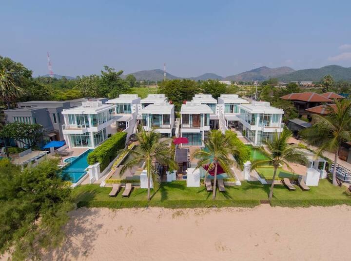 12 bedroom Beachfront Pool Villa Combo