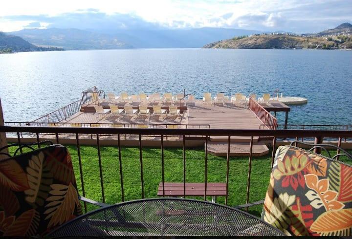 Lakefront Grandview 2 Bedroom Condo (sleeps 6)