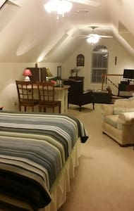 Private Loft, Full Bath, TV, WIFI - Lewes - Talo