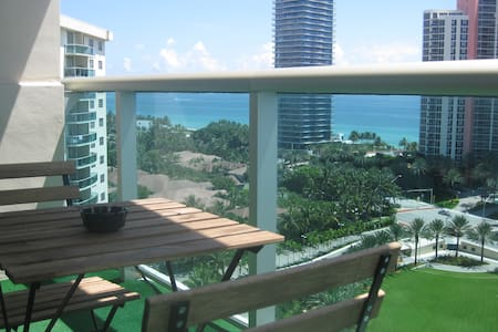 Beautiful furnished condo with amazing ocean view! - Санни Айлз Бич - Квартира