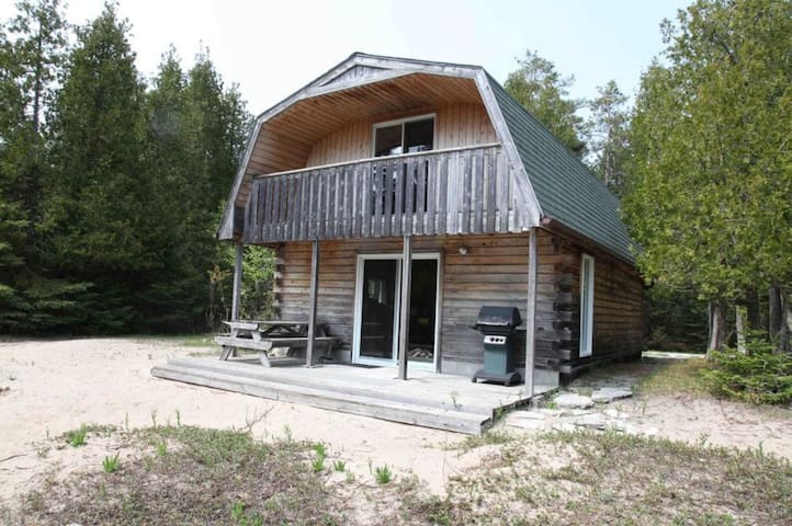 Dominion Bay Cottages - West Cottage
