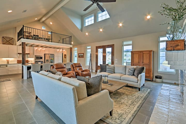 Modern Home by Granbury Country Club & Beach!