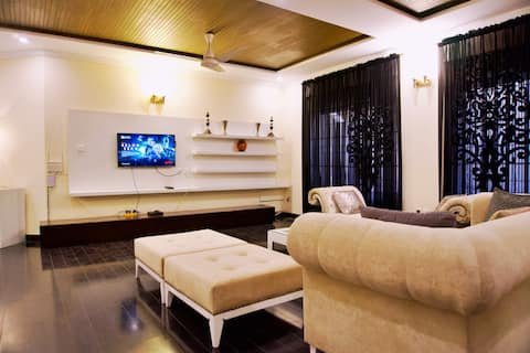 Modish Villa Down Portion -3BR+3BTH+Wifi+Netflix