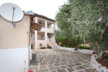 Agnanti Studios - Amaliapoli - 宾馆