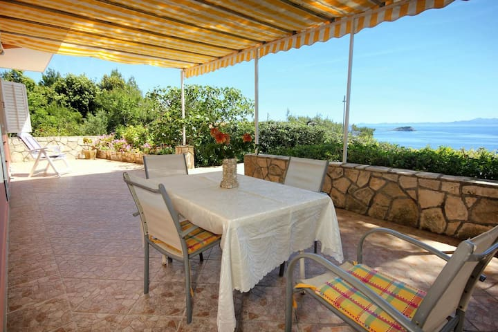 Two bedroom apartment near beach Prižba, Korčula (A-10061-d)