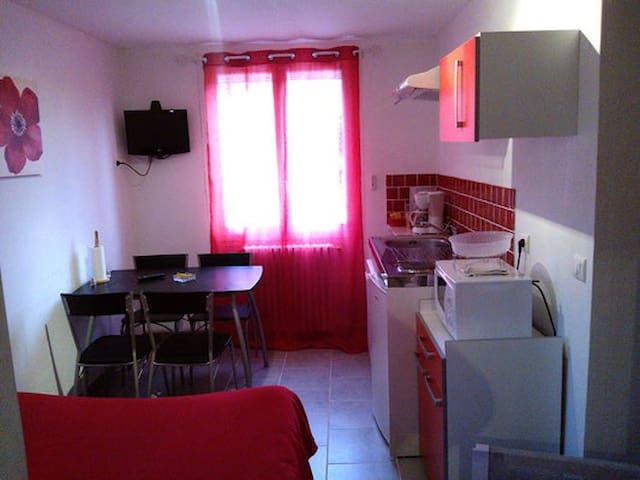 appartement T1 Rouge