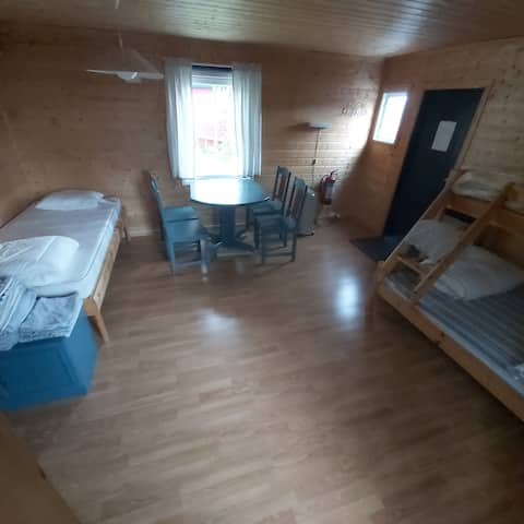 B, Cabin for 3/4, shower, wifi and boat