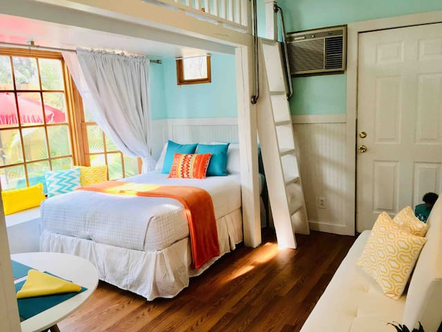 Bedroom by bay window