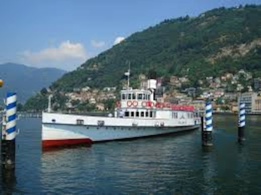 Un tipico battello del Lago di Como