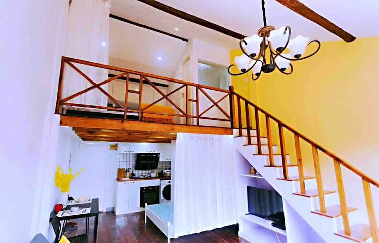 两层loft房型