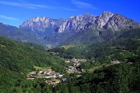 CASALIDIA in centro a Valli del Pasubio