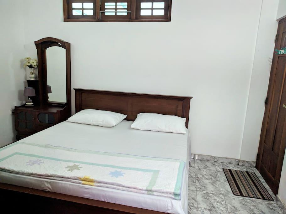 Bedroom with Queen bed  (A/C)